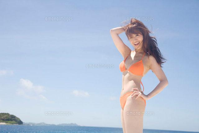 水着でポーズをとる女性1 - No:   写真素材 …